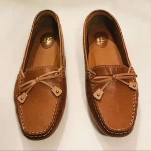 Clark's Artisan New Tan Leather Loafers